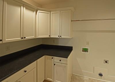 4242boxwoodgreen_laundry